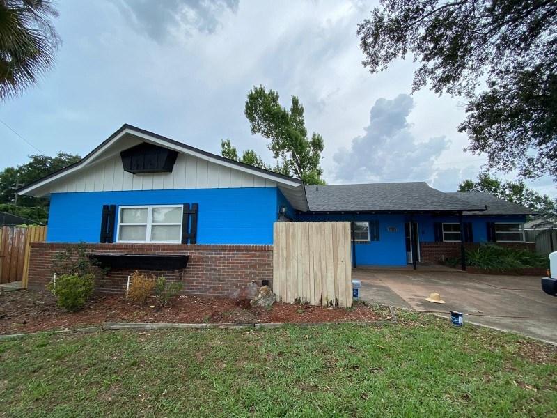 orlando bright blue house