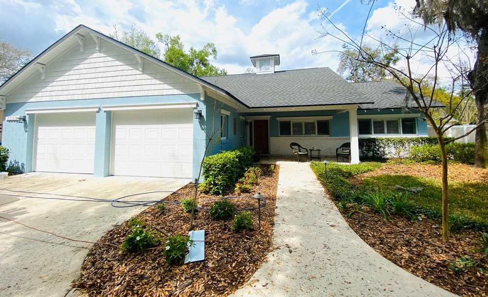 Refreshing Light Blue and White Exterior in Orlando, FL